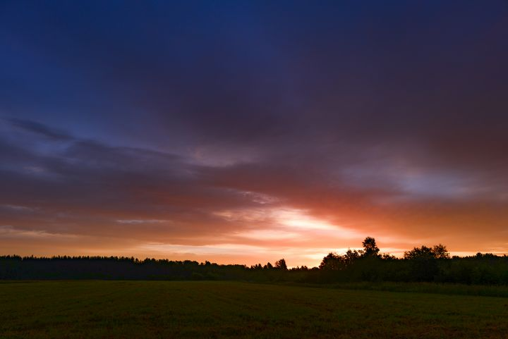 Bright colors of the sky at dawn - yarvin13