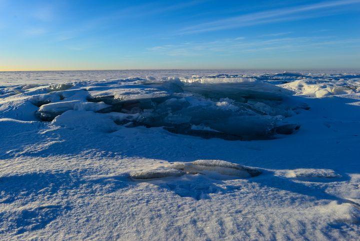 Blue sky over the snowy ice sea - yarvin13