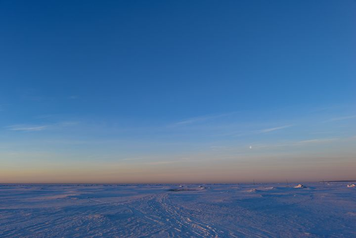 Dawn in a blue sky over the snow sea - yarvin13