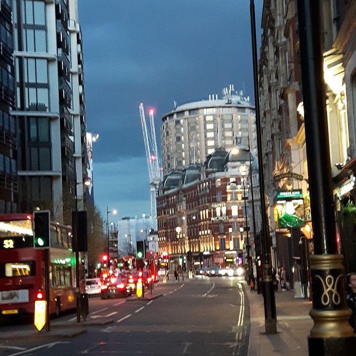 Knightsbridge Night - Argonel
