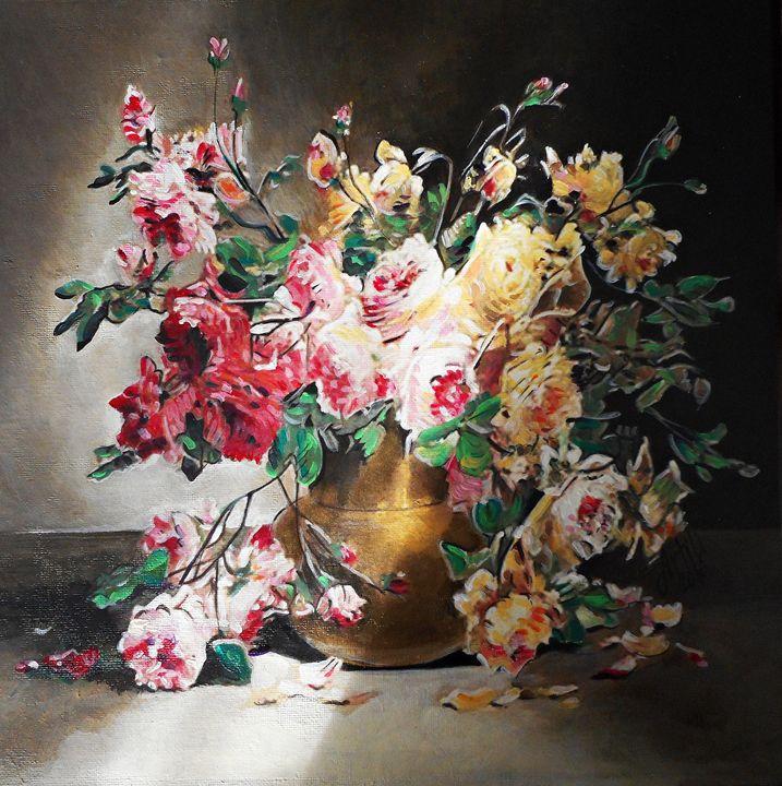 Roses in a golden vase - ARTILI
