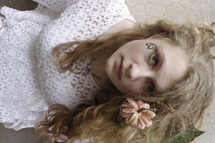 Narrow - Gabrielle Bettin
