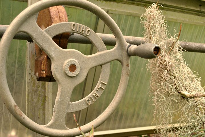 Rusty Ohio Wheel - Kelly Anne Photography