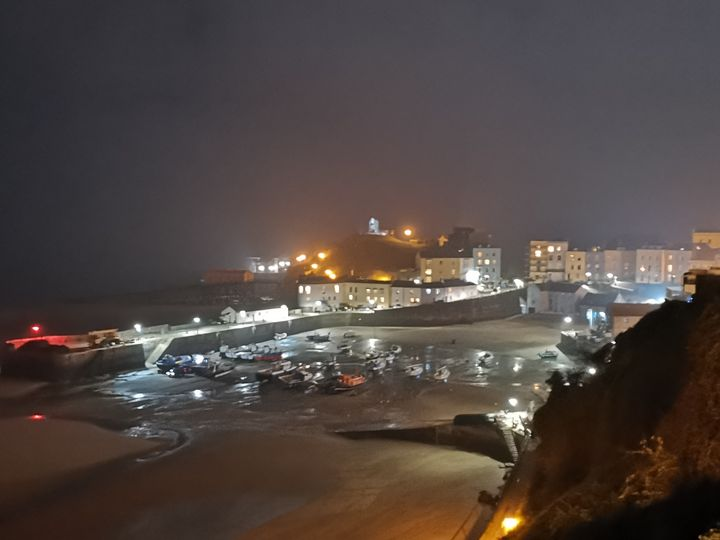 Tenby by Lamplight - Si Cole