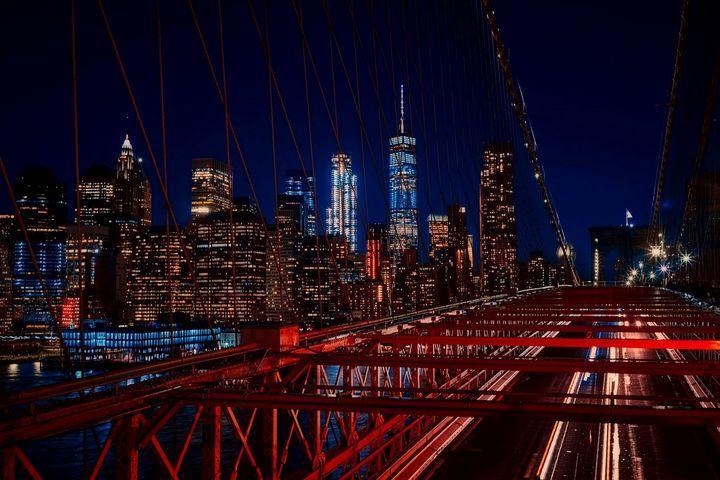 Lower Manhattan Bridge View - Jeanpaul Ferro