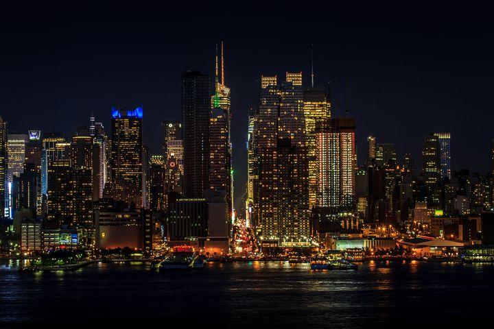 Manhattan at Night - Jeanpaul Ferro
