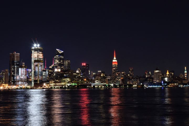 New York Never Sleeps - Jeanpaul Ferro