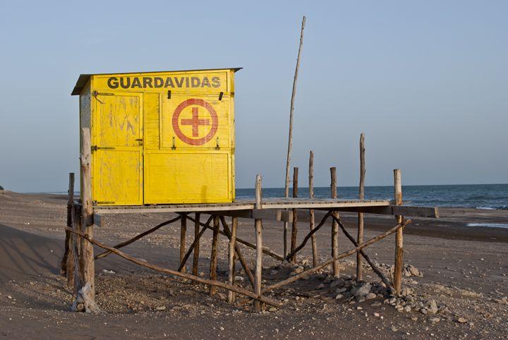 guard refuge lives - Norberto Lauria