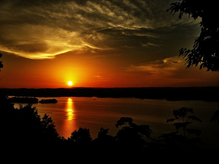 Cherokee Sunset - Elizabeth L. Minix