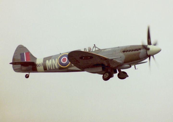 RAF Spitfire - teefa4699