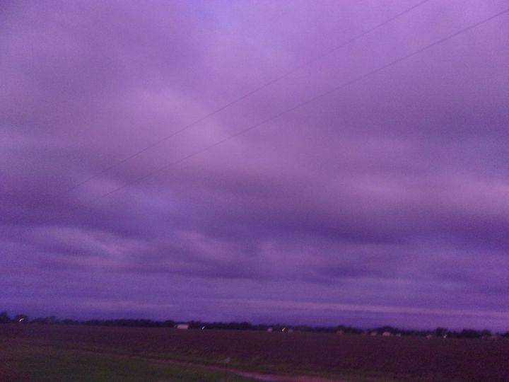 Sky's Beauty - DrainedDaisies