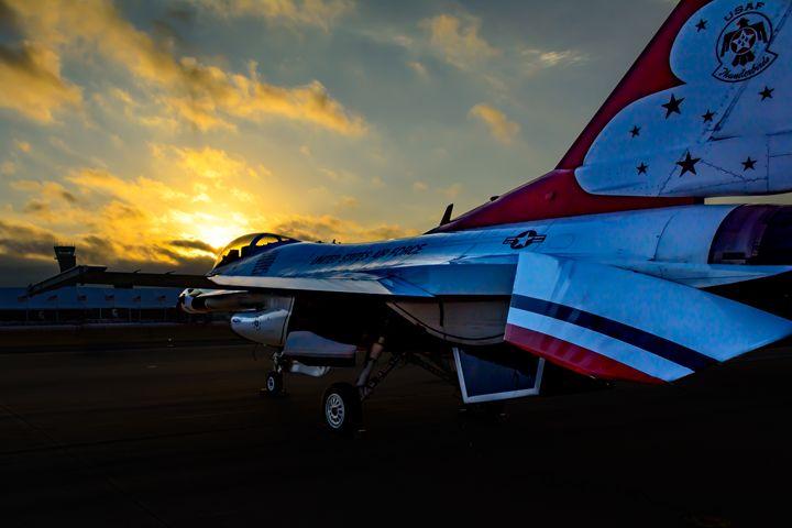 USAF Thunderbirds Dawn's Early Light - Jarrett Art