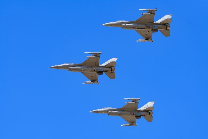 F-16V Viper Fighters in formation - Jarrett Art