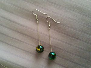 Dangle Black & Green bead earrings