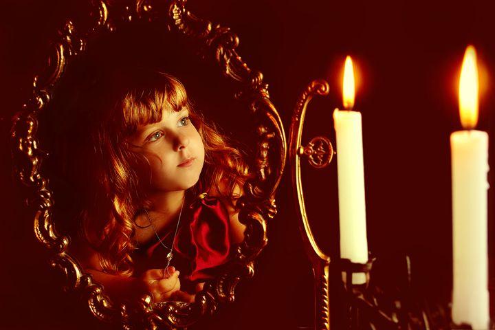 Mirror, mirror, on the wall... - Elena Degano Art photo