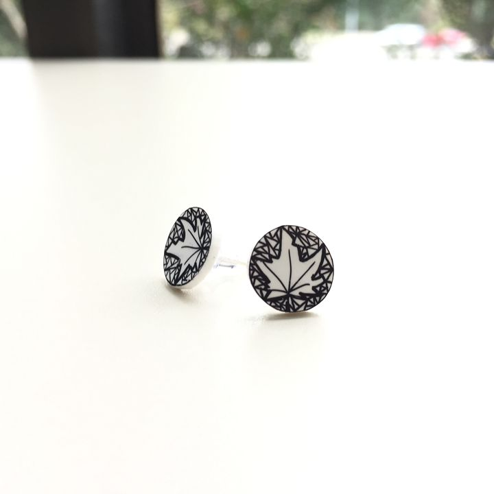 Leaf stud - Dasit Designs