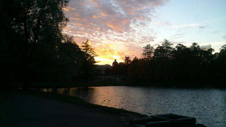 Закат солнца над дворцом - Peter Pinchuk