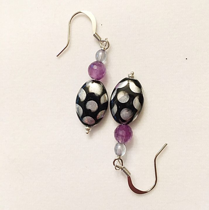 Black and silver dot earrings - Gem4Edu