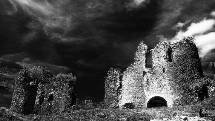 Ruins. - Serpi & Co