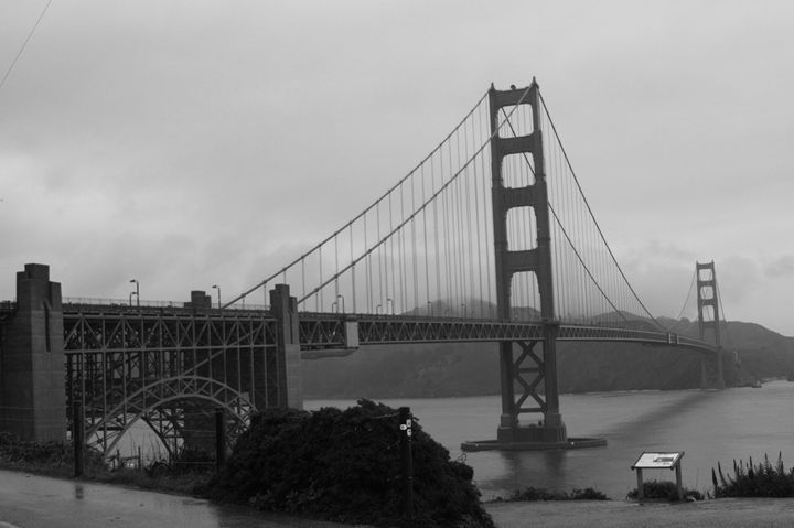 Golden Gate Bridge @ Fort Point Rock - JT Simmonds
