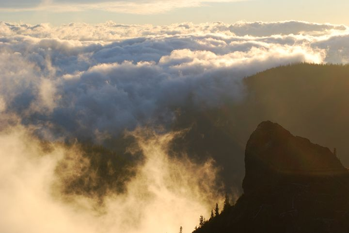 Sea of Clouds on a Cascade Morning - Wend Images Gallery
