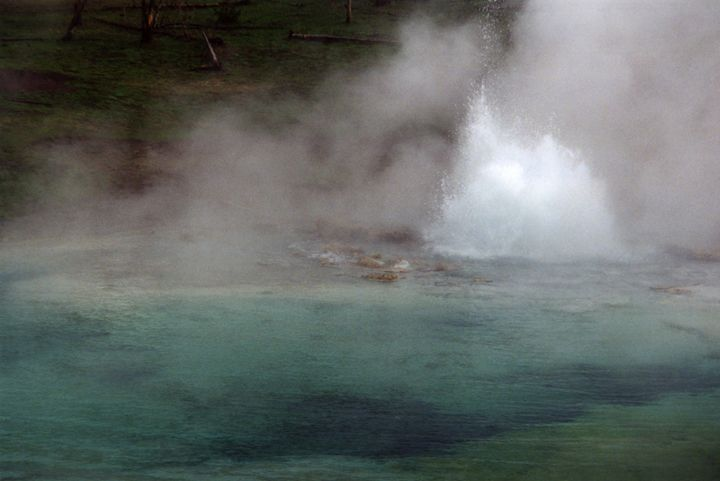 Imperial Geyser, Yellowstone - Wend Images Gallery