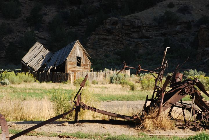 Abandoned Farmstead - Wend Images Gallery