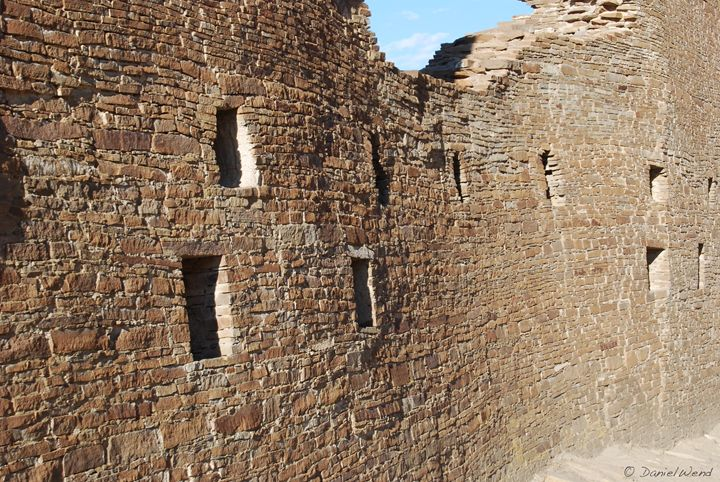 Undulating Wall Ruins at Hungo Pavi - Wend Images Gallery