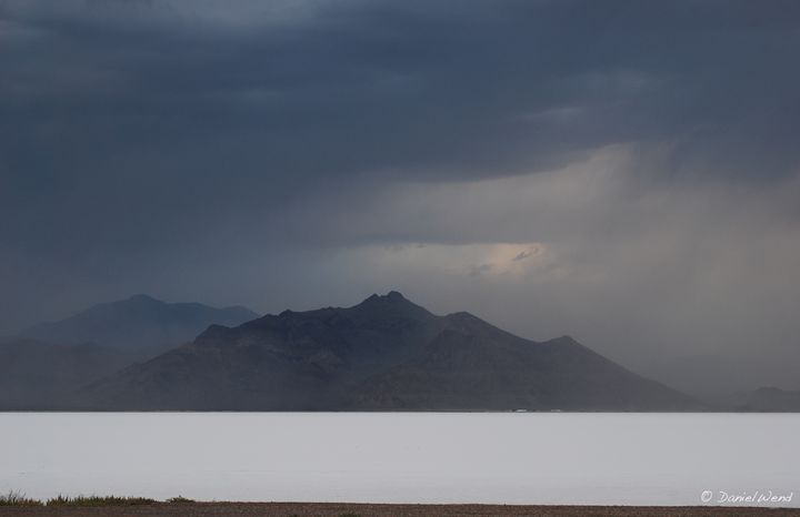 Heavy Weather over the Salt Flats - Wend Images Gallery