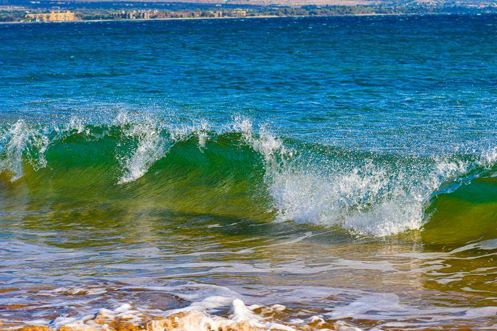 Waves in Maui - Kari Ann Jamison Photography