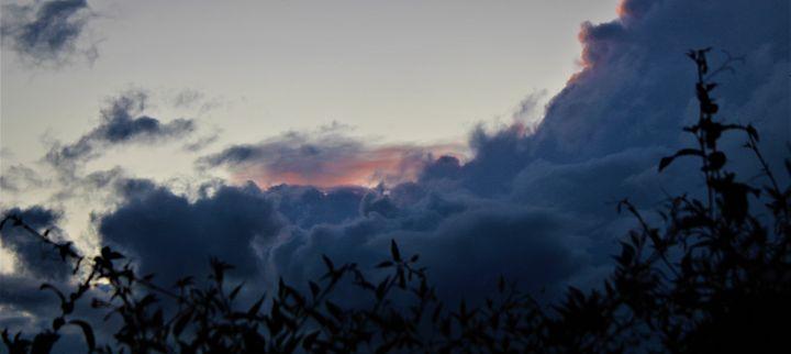 clouds rolling in... - billys art...