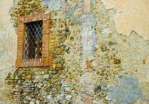 wall, Italy