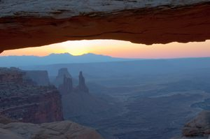 Canyonlands: just before dawn