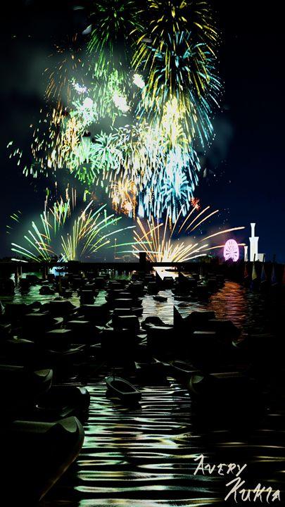 Fireworks Display Averusan Digital Art Holidays