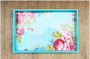 Vintage floral print Tray