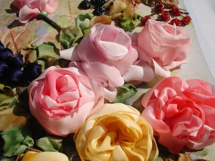 Silk English roses painting - Silk Ribbon Art