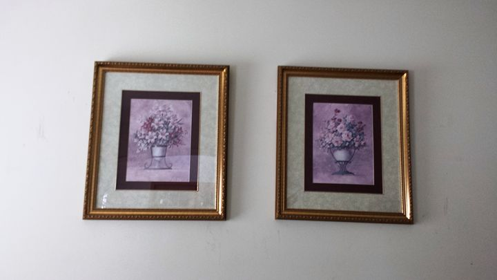 Floral Arrangement - Charlie's Gallery