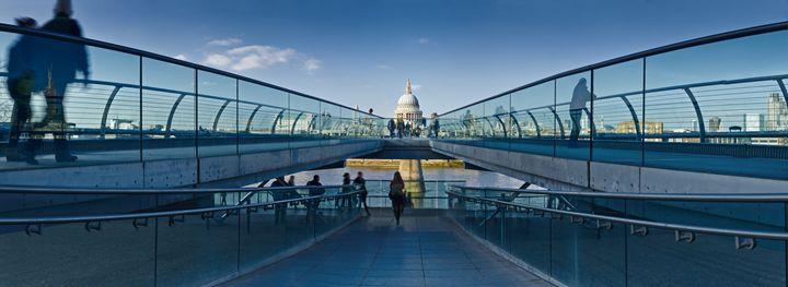 Millenium Bridge - Gem Photography