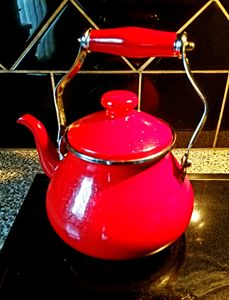 The Kettle in Red
