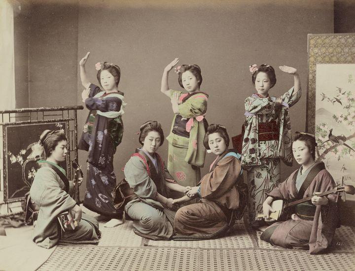 Kusakabe Kimbei~[Group of Young Wome - Artmaster