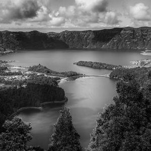 Lake of Sete Cidades BW