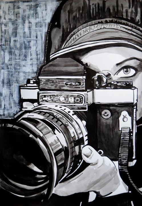 Girl with camera #18 / 50 x 35 cm - Alexandra Djokic