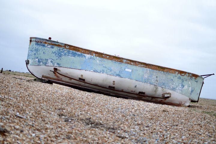 abandoned boat - kdw712