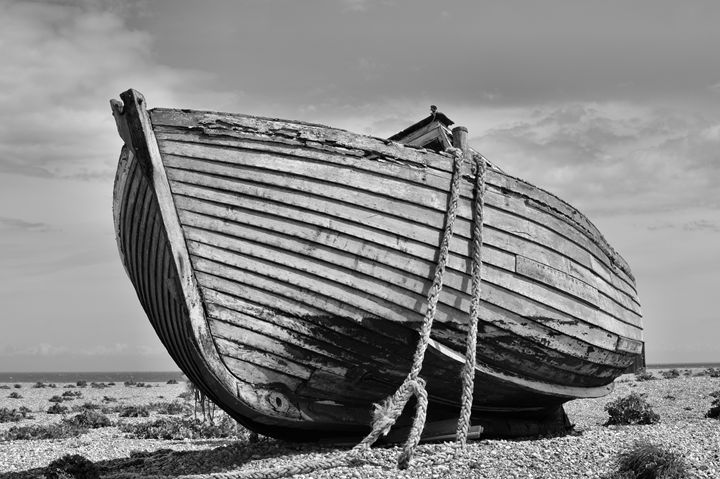 abandoned fishing boat - kdw712