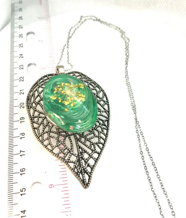 Leaf 30mm Statement snap pendant - Impressions by ISY