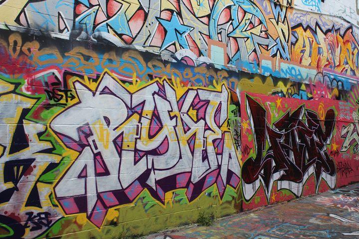 Side Graffiti on Howard Street - TMphotographyBaltimore