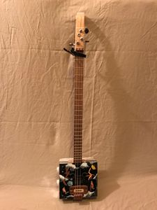 cigar box guitar 3