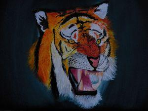 Roaring Tiger - Ana-Maria Mavroianu