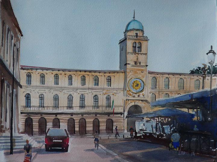 Central Square, Padova - Laris