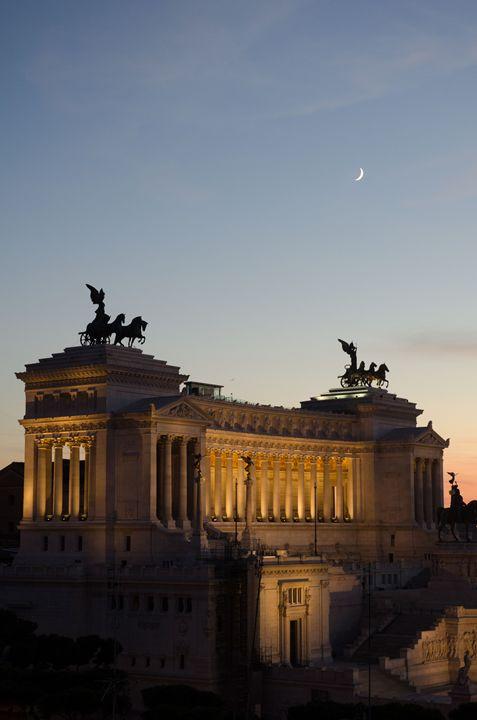 Rome 20 - Altare della Patri - Justin Short